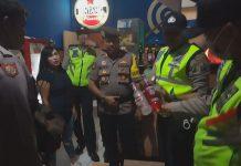 Polresta Sidoarjo dan jajaran mendapatkan ribuan macam merk minuman keras.