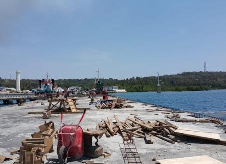 Keyerangan foto : pelabuhan.