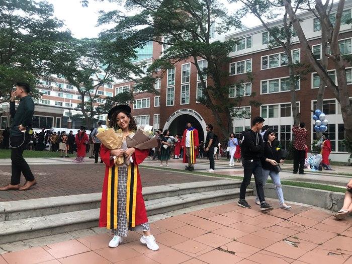 Moneva menjadi salah satu lulusan Conservatory of Music (CoM) UPH yang diwisuda pada 22 November 2019 di UPH Kampus Lippo Village