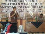 Keterangan foto Harry Lesto Hadi MSIE, saat menyampaikan paparan materinya tentang pengelolaan pondok wisata.