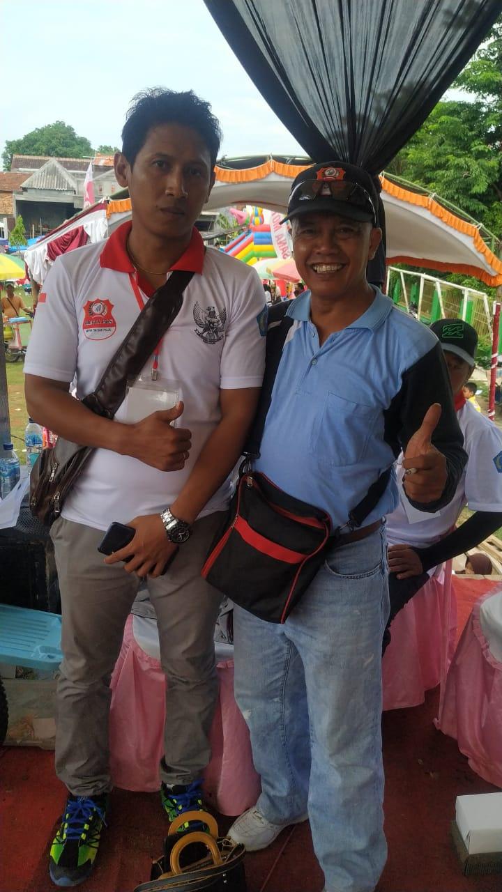 Foto dari kiri Ahmad Arifin Kepala Cabang Jawa Tengah dan Adang Kabiro Kendal foto dian